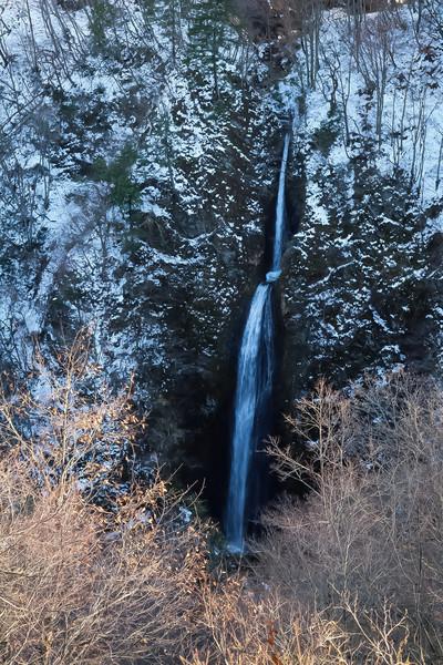 福島県つむじ倉の滝