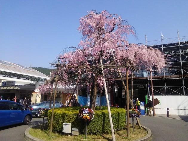 京都JR山科駅前