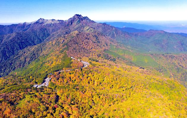 愛媛県久万高原町岩黒山上空